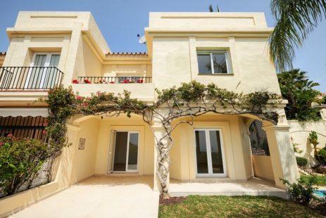 Dom szeregowy w Hiszpanii na sprzedaż