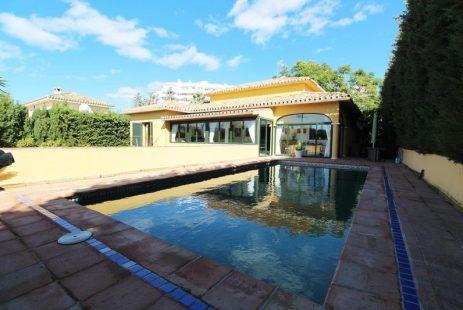 Costa del Sol dom na sprzedaż Guadalmina Alta