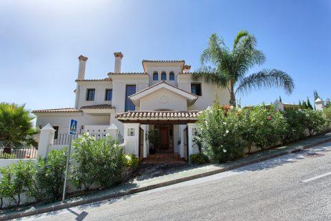 Lomas de la Quinta dom z działką na sprzedaż