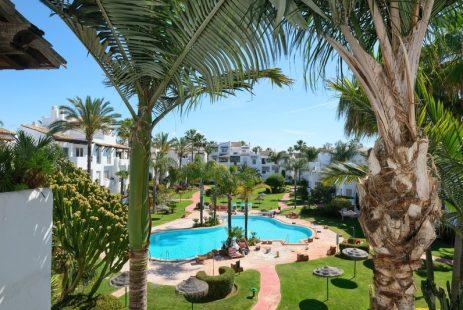 Apartament na Costalita w Estepona na sprzedaż