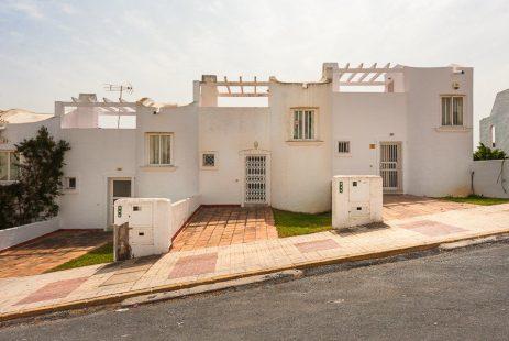 Las Chapas dom szeregowy blisko plaży na Costa del Sol