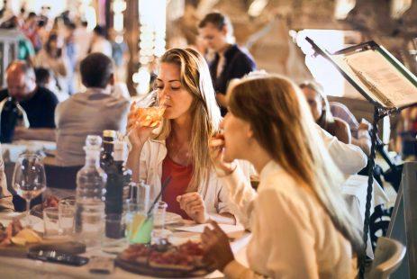 Napiwki w restauracji w Hiszpanii