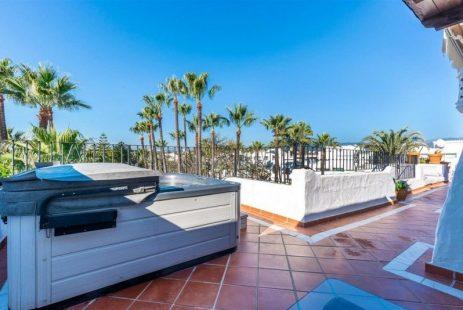 Luksusowy penthouse w Puerto Banus na sprzedaż